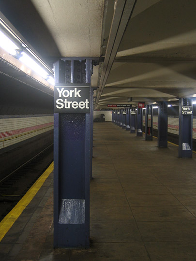 York Street subway station
